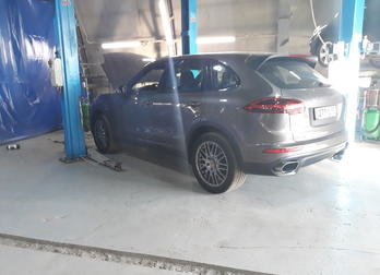 Плановое ТО Porsche Cayenne 958 в автотехцентре Mercedes-Benz plus